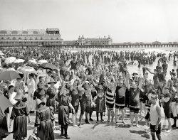 Hands Up: 1910