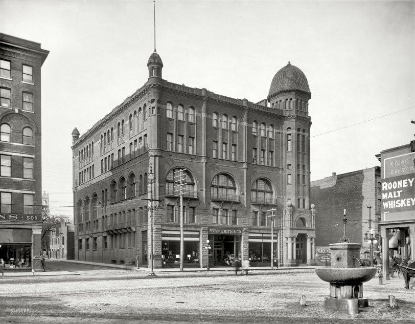 Filling Station: 1910