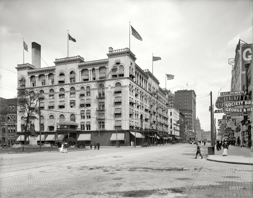 Hotel Cadillac: 1914