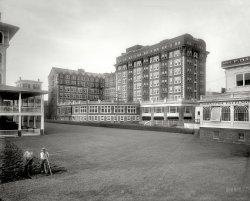 Gray Gardens: 1911