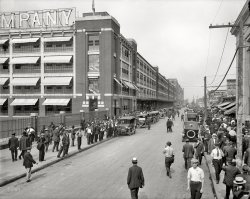 Ford Factory: 1916