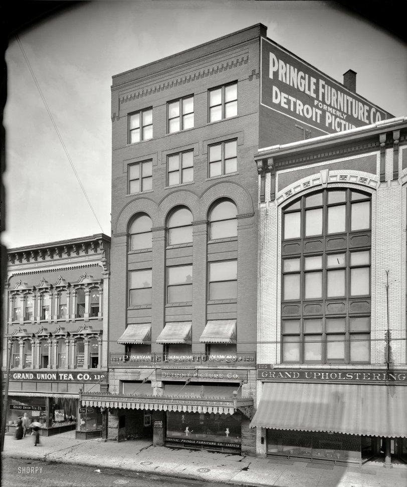 Between the Grands: 1912