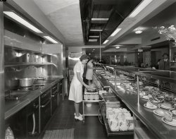 Sholl's Cafeteria: 1946