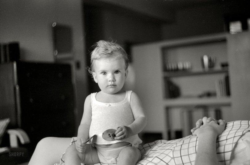 Baby Sitting: 1939