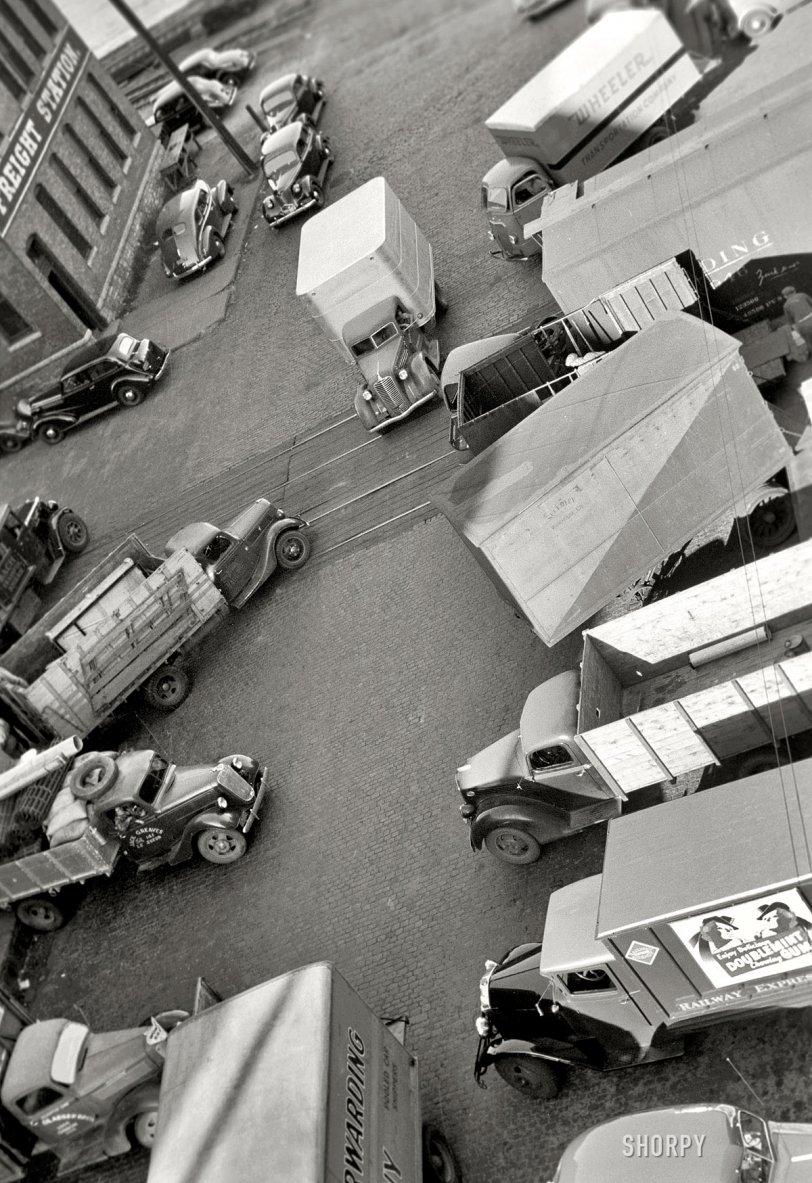 Trucks Akimbo: 1939