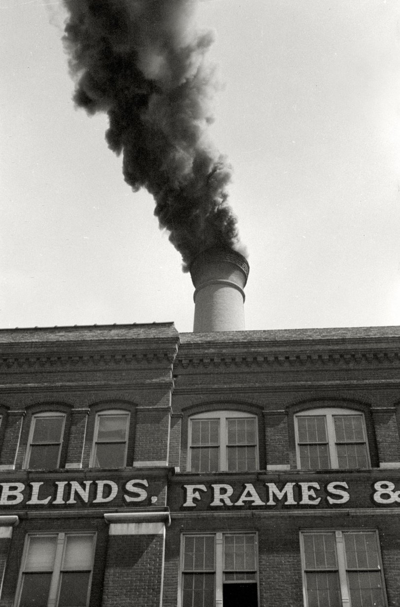 Blinds, Frames: 1940