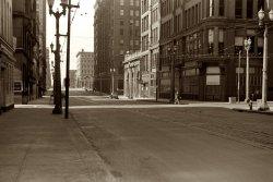 Quiet City: 1940