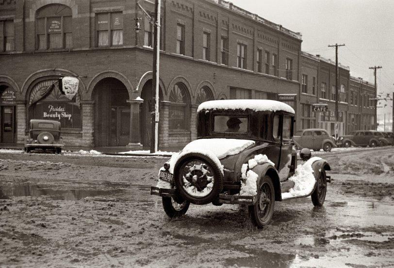 Slushmobile: 1939