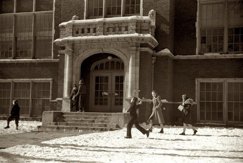 Central Grade School: 1940