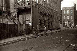 Springtime in Chicago: 1941