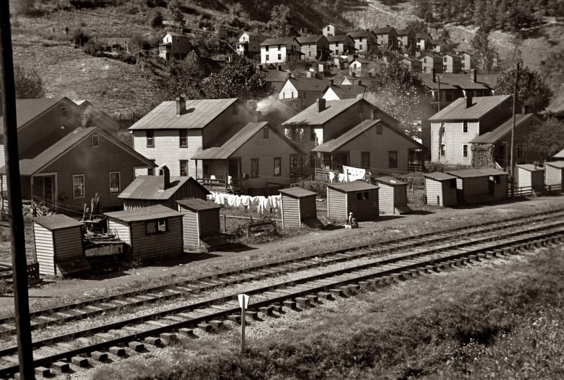 Houses on the Hill: 1935