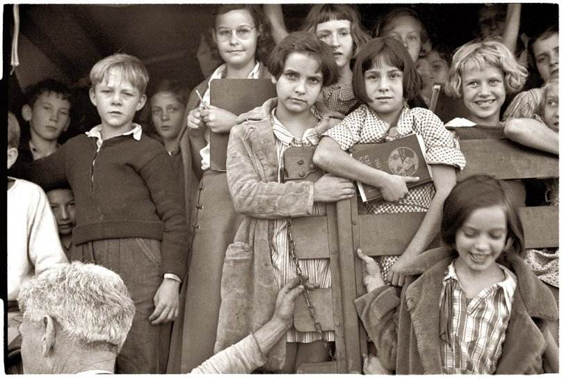 Red House Kids: 1935