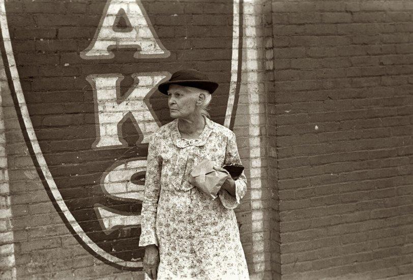 Mrs. Aks: 1938
