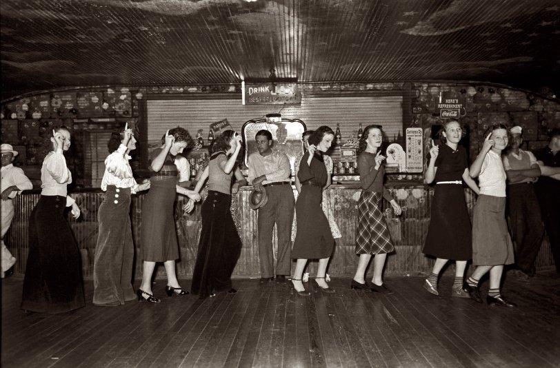 Dano's Roadhouse: 1938