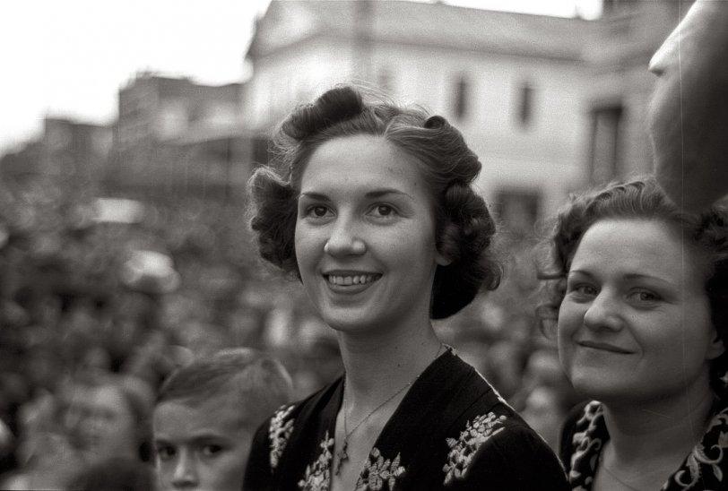 I Love a Parade: 1938