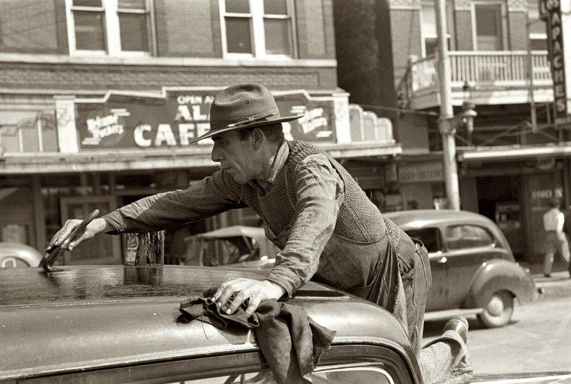 Texas Topper: 1939