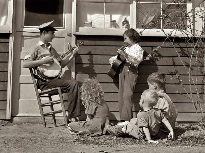 The Drakes: 1942