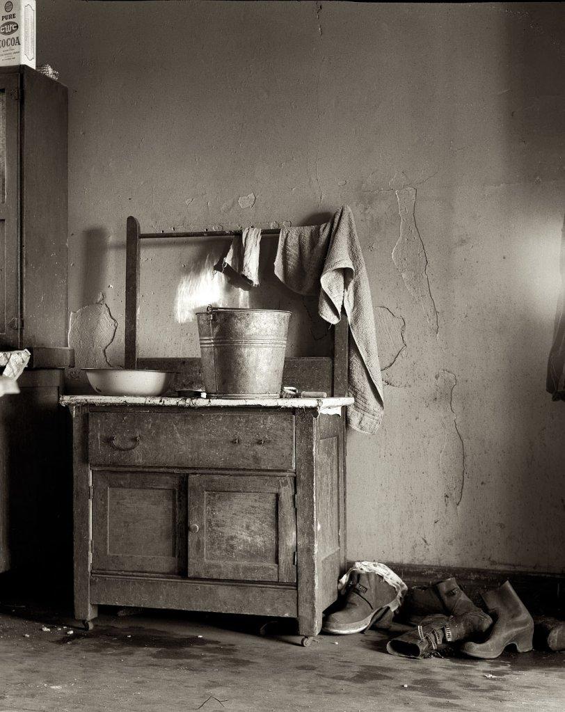 Washstand: 1936