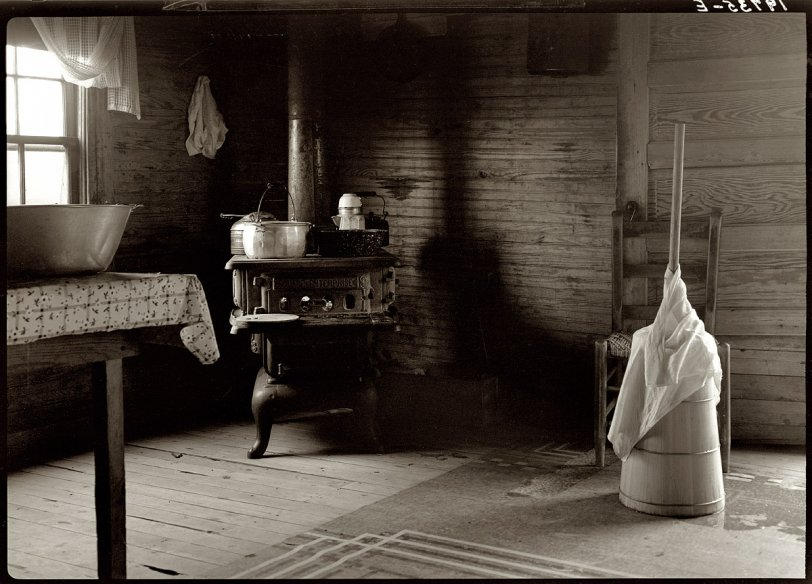 Country Kitchen: 1939