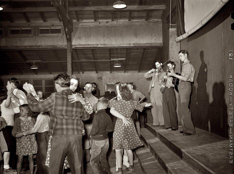 Texas Saturday Night: 1942