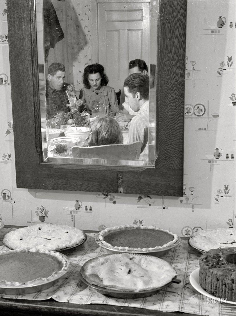 Pies in Repose: 1940