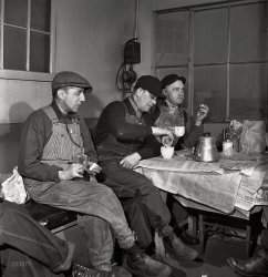 Working Lunch: 1943