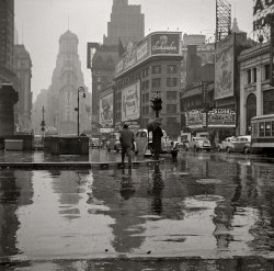 Times Square: 1943