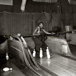 Alley Cat: 1943