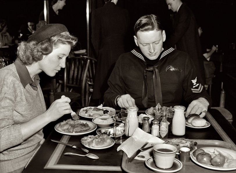 Lunch With Lynn and Hugh: 1943