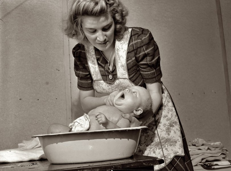 Bathtime for Joey: 1943