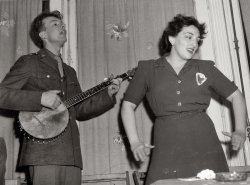 Pete Seeger: 1944
