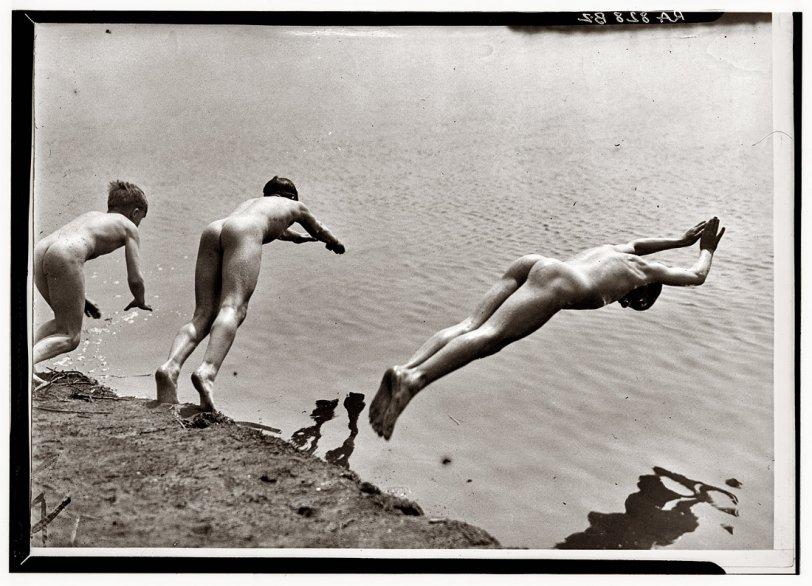 Moon River: 1935