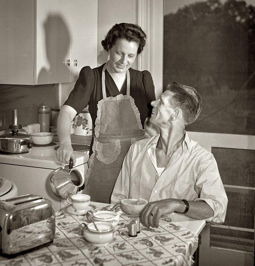 Piping Hot: 1942