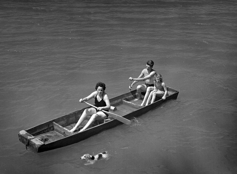 Heel: 1942