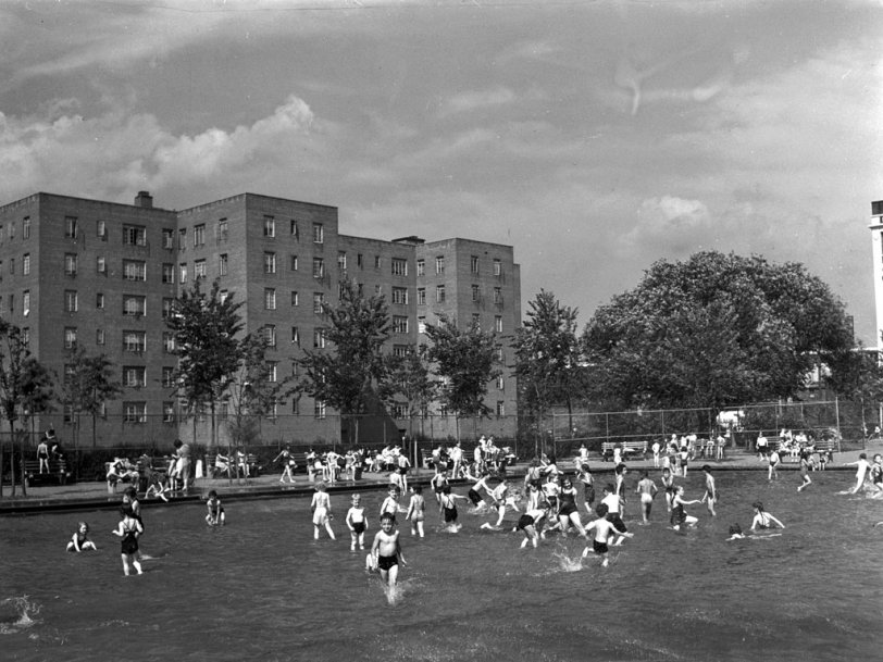 Brooklyn Wading Pool: 1942