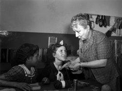 Knitting Class: 1942