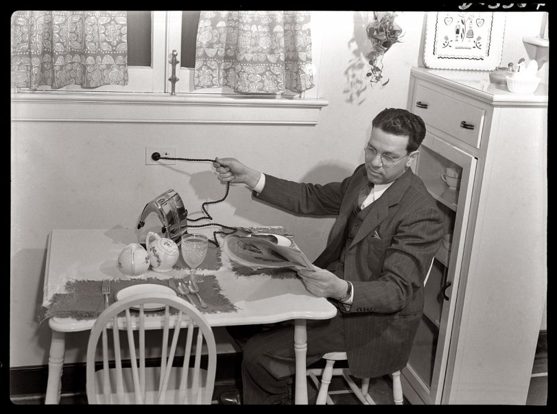 Jerked Toast: 1942