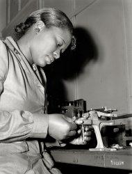 Mighnon Gunn: 1942