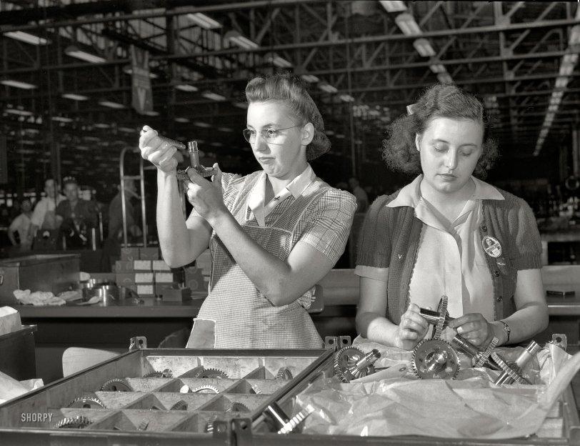 Dot and Syl: 1942