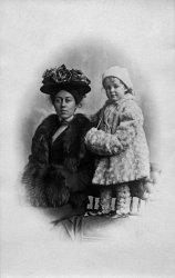 Anna & Ethyl: 1918