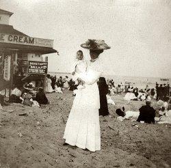 Beach Party 1901