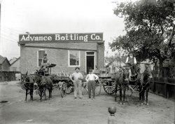 Advance Bottling Works: 1915