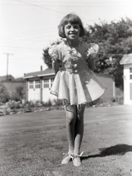 Sparkles and Bows: 1947