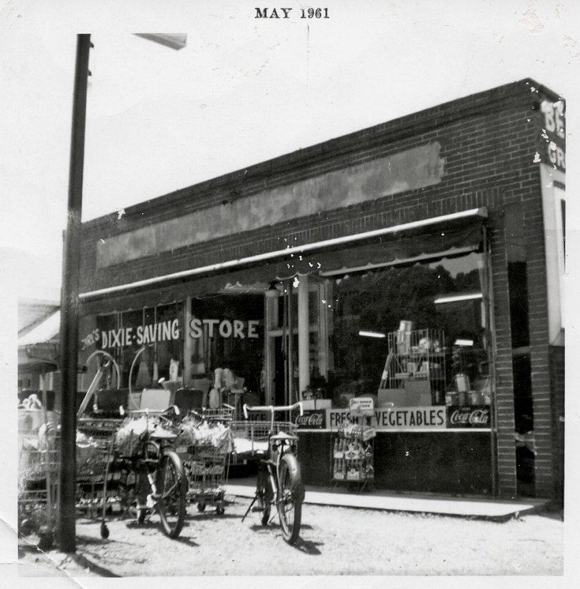 Carl's Dixie-Saving Store