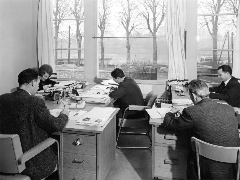 Le Bureau: 1964