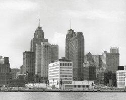Detroit Skyline: 1952