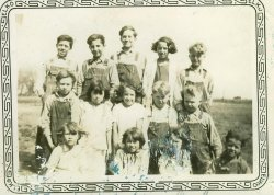 1931 country school class photo