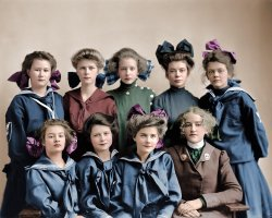 Gunston Girls (Colorized): 1905