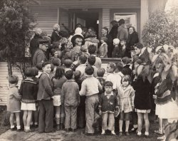 Waiting to See the Crèche: 1930s