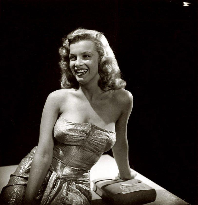 Marilyn: 1947